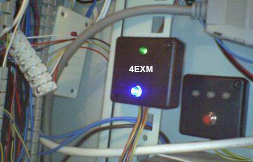 Multiplexer output extender