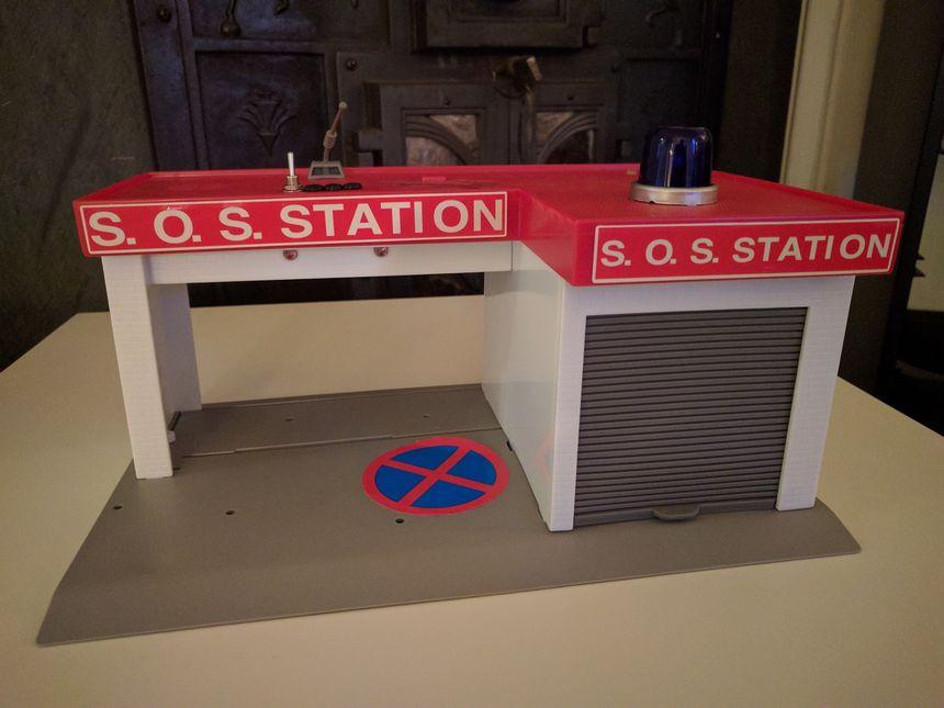 Modifying a noisy SOS station kids toy