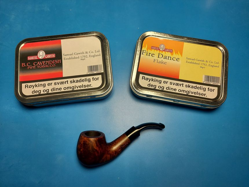 New tiny pipe — and more pipe tobacco